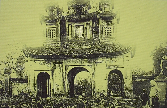 007.Một ngôi chùa ở Hà Nội