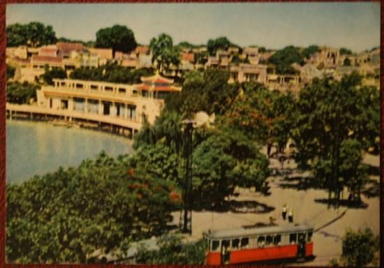 009.Cảnh ven hồ Gươm với Thủy Tạ năm 1969