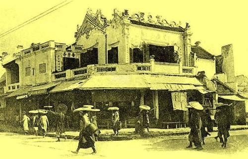 Đình Phung Lu ở góc phố Hàng Bạc và Hàng Đào (cũng có bài ghi là Chùa Phụng Lưu (phố Hàng Đào)