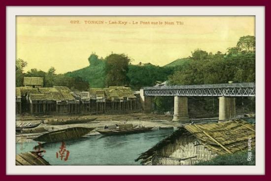 MÓNG CÁI-Cầu biên giới bắc qua sông Nậm Thi