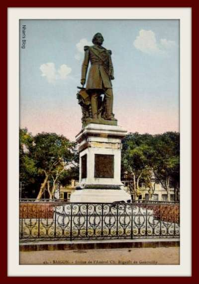 Tượng đô đốc Rigault de Genouilly