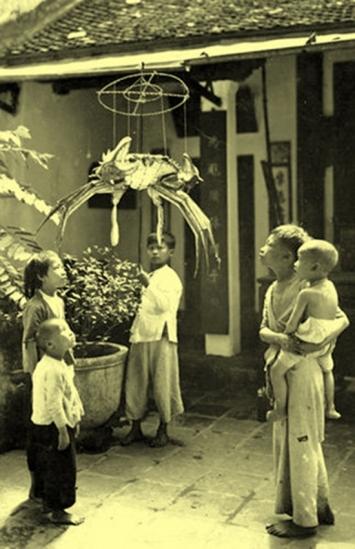 Trẻ em Hà Nội xưa vui Trung thu.