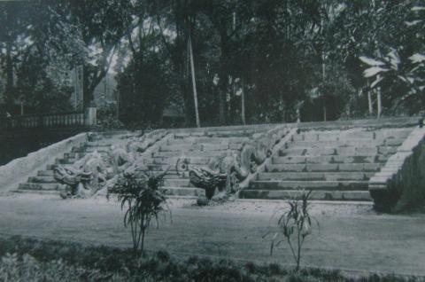 008.Bậc thềm điện Long Thiên (1928). Ảnh- EFED.