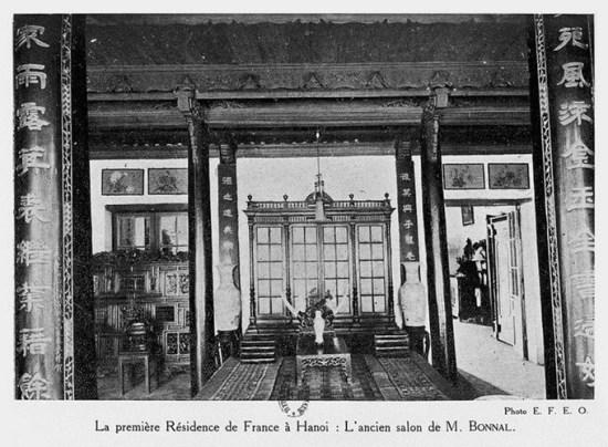 008.Phòng khách ngày xưa của ông Bonal - công sứ đầu tiên của Pháp ở Hà Nội .