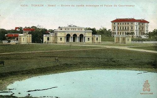 018.Tonkin - Hanoi - Entrée du jardin botanique et Palais du Gouverneur.