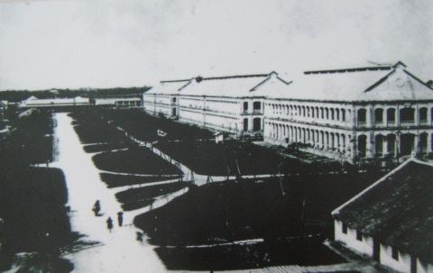 14.Doanh trại Bộ binh thuộc địa (không rõ năm) (bưu ảnh)