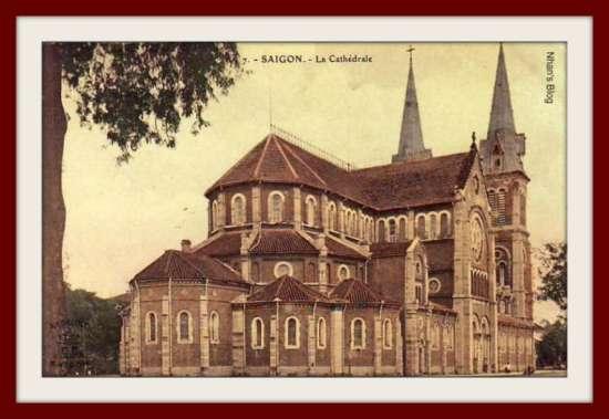 SÀI GÒN-Nhà thờ Đức bà (mặt sau)