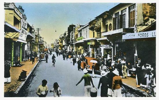 001.Cuộc sống trên một con phố Hà Nội