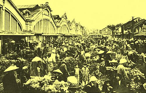 Cổng chợ Đồng Xuân ngày tết