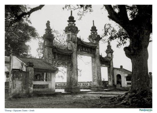 Cổng tam quan chùa Láng (Ngày Xửa Ngày Xưa)