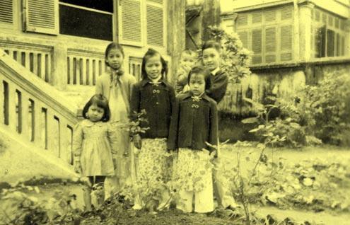Con cái của một gia đình tư sản.
