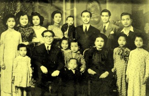 Hình ảnh một đại gia đình tư sản.