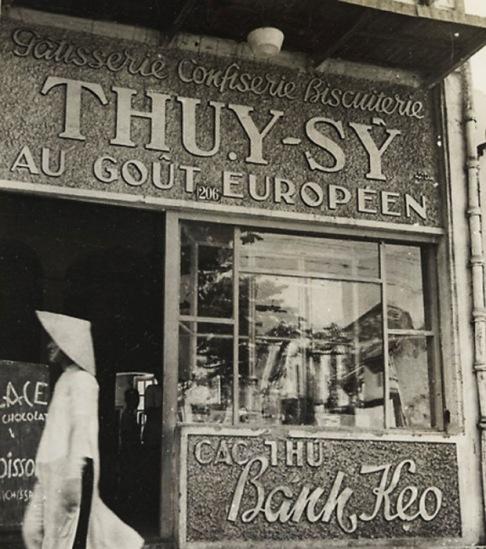 """Một tiệm bánh ở Phố Hàng Trống. Le Pâtissier Thụy-Sỹ """"Au goût Européen""""."""