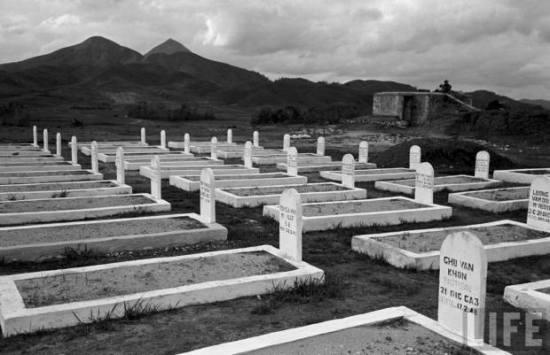 Nghĩa trang lính Pháp ở Lạng Sơn, 1950.