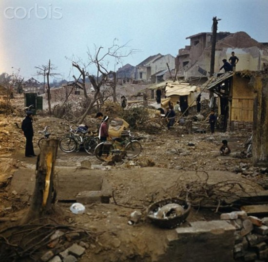 Khâm Thiên, Hà Nội 1973. Ảnh: Werner Schulze