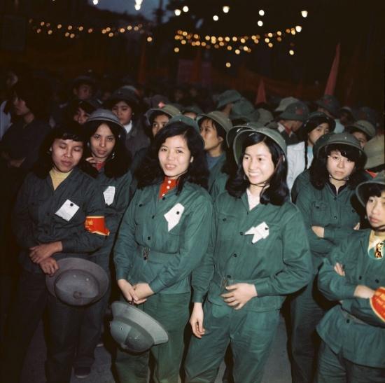 Mít tinh ăn mừng chiến thắng Trung Quốc năm 1979. Ảnh: Thomas Billhardt