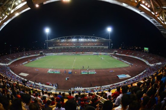 Nằm tại phường Mỹ Đình 1 (quận Nam Từ Liêm), cách trung tâm Hà Nội 10 km về phía tây nam, sân vận động Mỹ Đình có sức chứa lớn thứ nhì Việt Nam, hơn 40.000 chỗ ngồi (chỉ sau sân vận động Cần Thơ với sức chứa 50.000 người). Đây cũng là tổ hợp sân vận động hiện đại nhất Việt Nam, chi phí xây dựng sân gần 53 triệu USD. Sân chính thức hoạt động ngày 2/9/2003 với trận đấu đầu tiên giữa đội U23 Việt Nam và câu lạc bộ Thân Hoa Thượng Hải (Trung Quốc). Nơi đây từng tổ chức Đại hội Thể thao Đông Nam Á – SEA Games 22 năm 2003 và nhiều sự kiện thể thao, văn hóa lớn của đất nước.