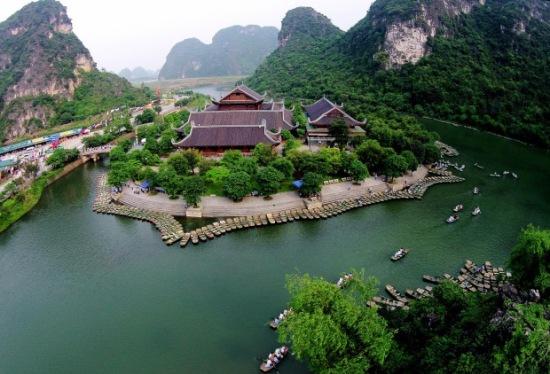 Quần thể khu du lịch Tràng An nhìn từ trên cao.