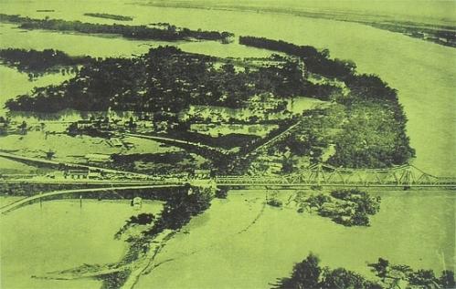 Đầu cầu Long Biên bên Gia Lâm
