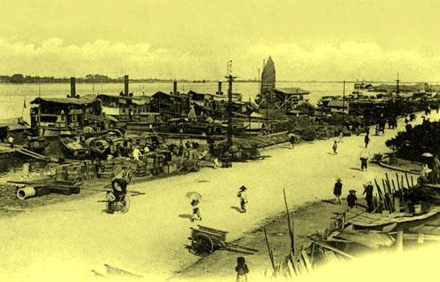 Cảng trên sông Hồng.