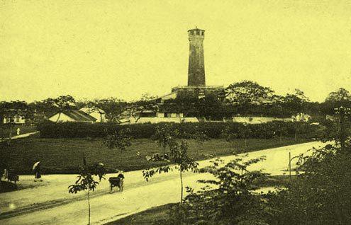 Cột cờ ( phía Nam Hoàng Thành )