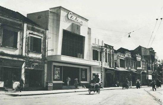 Rạp Kinh Đô, phố Cửa Nam, khoảng 1950.