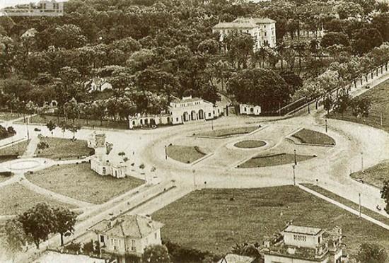 001.Quảng trường Puginier xưa nay là quảng trường Ba Đình