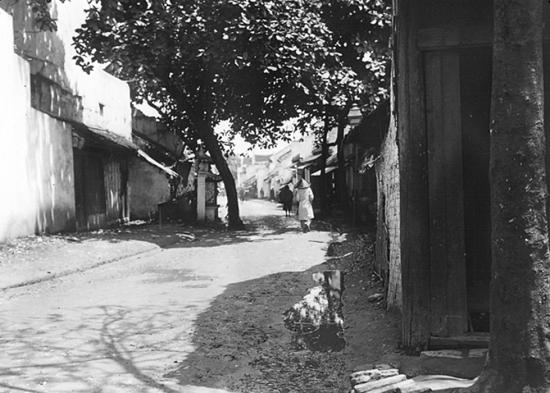 001.Tonkin. Hanoï 1896 - Phố Hàng Cân nhìn từ phố Phúc Kiến