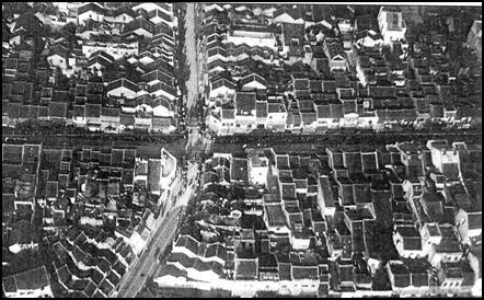 001.Vùng lân cận của ba mươi sáu phố khoảng năm 1925.