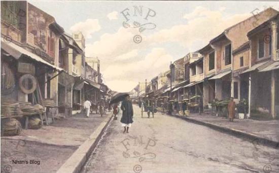 Đoạn chính của phố Hàng Nón, từ xưa là nơi có nhiều cửa hàng bán nón