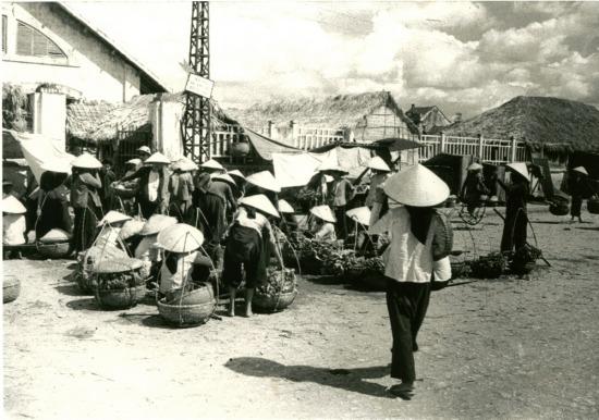 002.Chợ ven đô Hà Nội.
