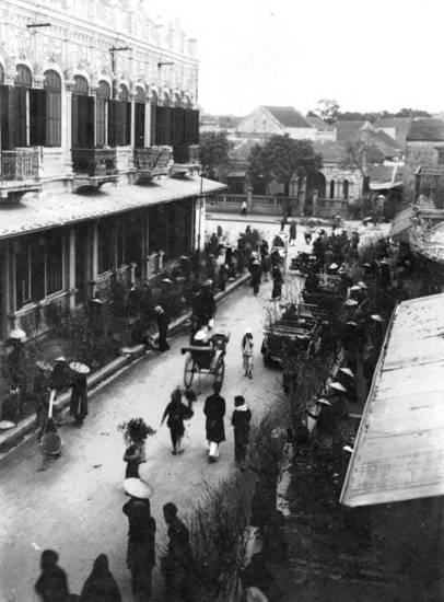 003.Chợ hoa đào trên phố Hàng Khoai.