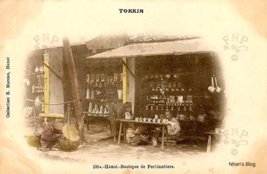 Một cửa hàng phố Hàng Thiếc