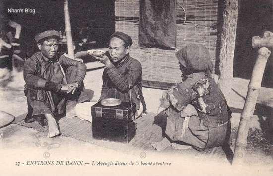 Cảnh thầy mù xem bói ở Hà Nội xưa