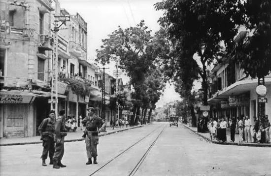 004.ngã tư Phủ Doãn - Đường Thành - Hàng Bông - Hàng Gai. 1954