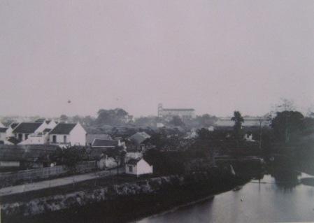 004.Nhà thờ St. Joseph xây năm 1886 trên khu đất của Pháp Báo Thiên bị phá hủy năm 1884 (ảnh chụp năm 1888 - 91)