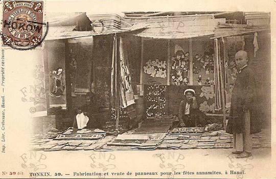 005.Bán tranh Đông Hồ tại chợ.