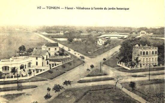 005a.Giao cắt Hoàng Diệu - Điện Biên Phủ - Trần Phú (xa xa là khu vực Ba Đình xưa)