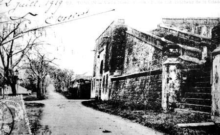 Cổng thành Hà Nội