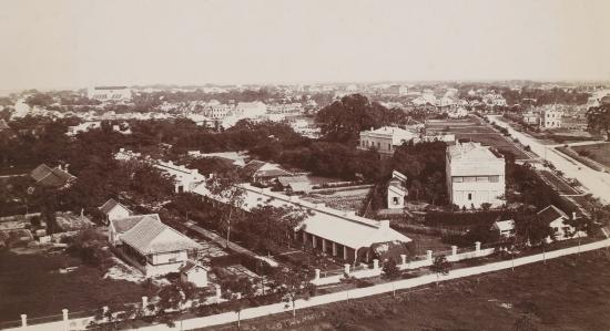 006a.Toàn cảnh Hà Nội, ở phía xa bên trái là Nhà thờ lớn 1896-1900