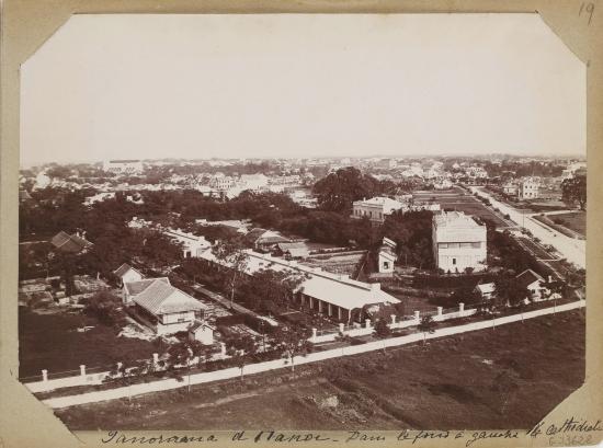007.Nhìn từ khu Cột cờ Hà Nội về phía Nhà Thờ Lớn và khu phố cũ