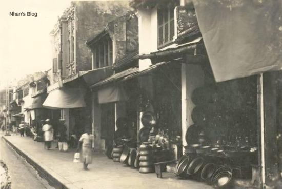 Không chỉ là người của Kinh thành Thăng Long sử dụng đồ đồng ở phố, dân các nơi khác cũng tìm đến phố Hàng Đồng để sắm sửa và có thời gian sau này, người phố Hàng Đồng còn xuất khẩu sản phẩm của mình sang các nước.