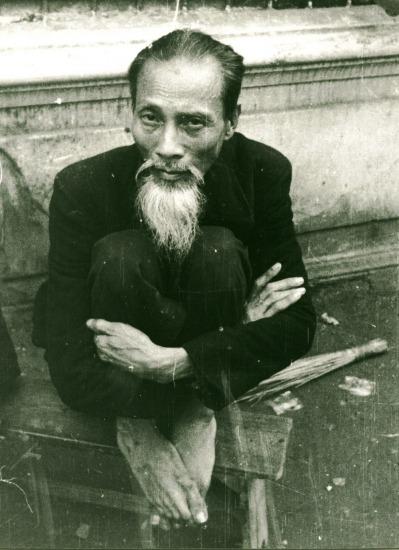012.Ông lão Hà Nội.