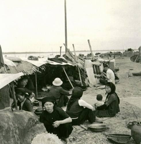 013.Dân cư sống bên bờ sông Hồng