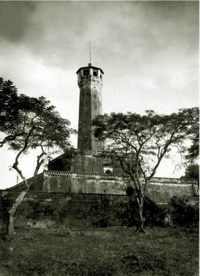015.Cột cờ Hà Nội là điểm nhấn toàn khu vực vẫn còn đến ngày nay
