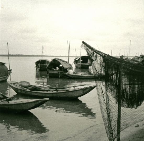 019.Những con thuyền của dân chài sông Hồng.