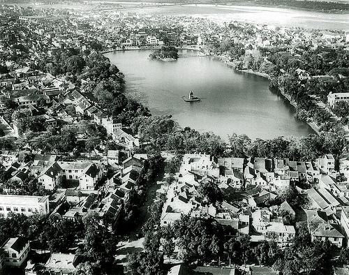 020.Hồ Hoàn Kiếm năm 1940
