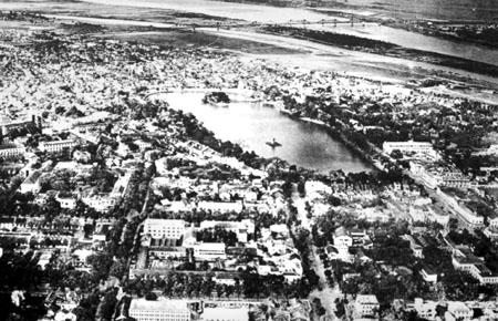 020.Toàn cảnh Hồ Gươm và khu phố phía Nam đã hình thành