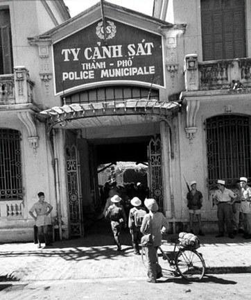 021.Ty Cảnh sát - nay là trụ sở công an ở ngã tư Tràng Thi - Lê Thái Tổ - Bà Triệu