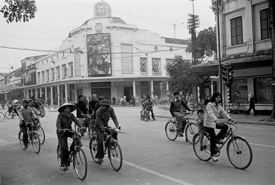 026-HANOI 1979 - Cửa hàng MDQD (mậu dịch quốc doanh) BÁCH HÓA TRÀNG TIỀN